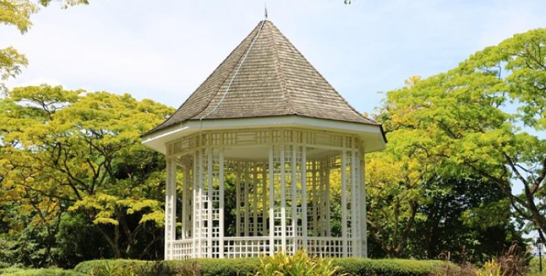 Relaks w ogrodzie - altanka