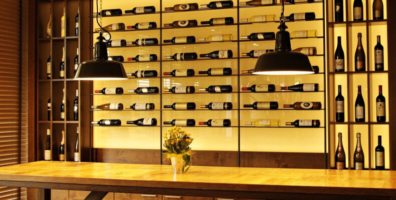 Kuchnia w lofcie - oświetlenie kuchni w tylu loftowym
