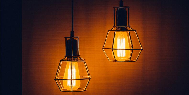 Oświetlenie sypialni na poddaszu - pomysły i inspiracje
