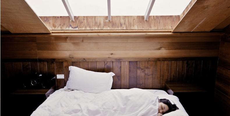 Sypialnia na poddaszu - pomysły i inspiracje