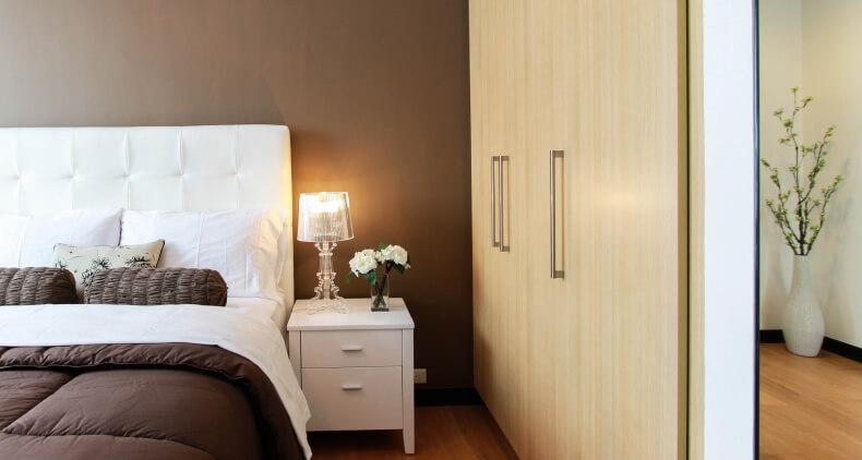 Szafa w sypialni - pomysł na garderobę