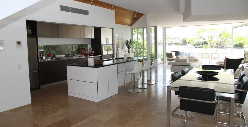 Jak urządzić salon z kuchnią - pomysły i inspiracje