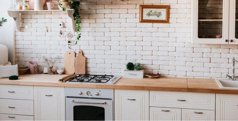 Malowanie mebli z okleiny w kuchni