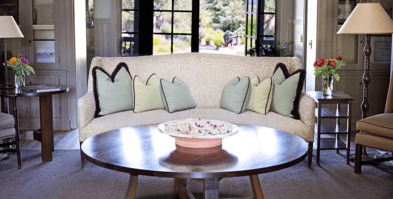 Jak urządzić pokój w stylu prowansalskim - meble