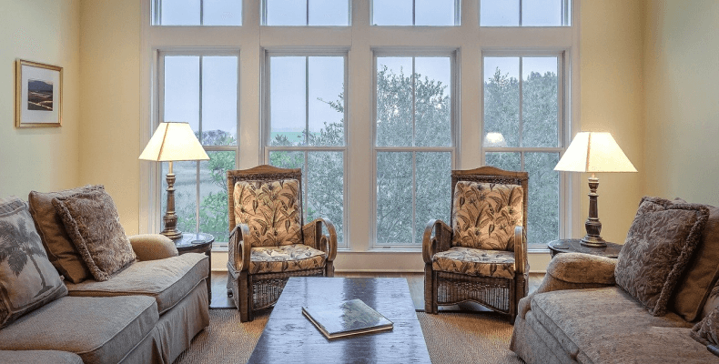 Meble w stylu angielskim - tapicerowane sofy