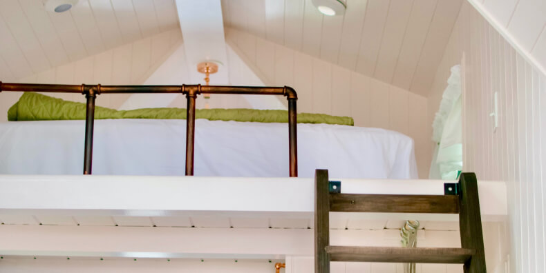 Sypialnia z antresolą - zaaranżuj pokój z antresolą