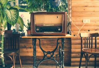 Jak odnowić stare meble? Poznaj podstawy - renowacja mebli w domu