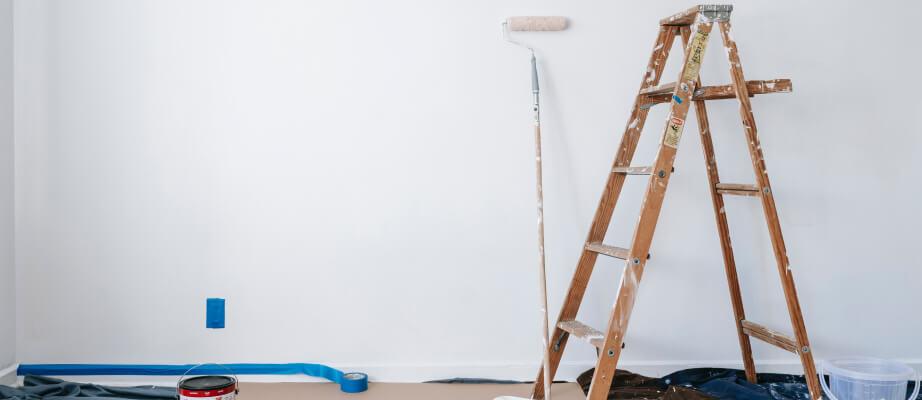 Jak malować sufit bez smug - malowanie sufitu